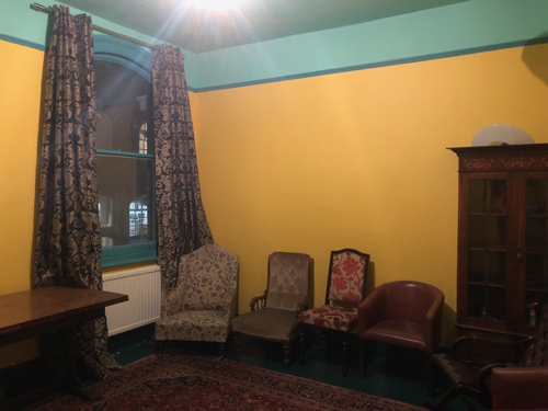 The Yellow Room at The Apple Tree